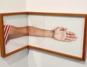 Celina Portella - _Braço dobrado_, Foto-objeto da série Dobras,
